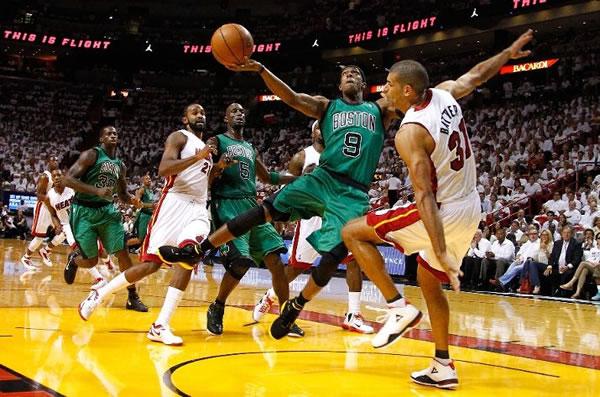 Rajon Rondo carregou os Celtics em suas costas no jogo 2 contra o Heat